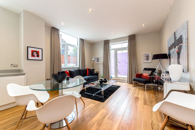 Thumbnail Flat for sale in Frazer Road, London