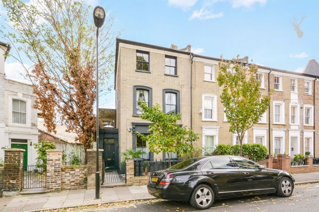 Thumbnail Terraced house to rent in Horton Road, Hackney