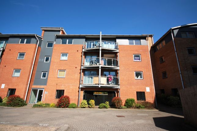 Thumbnail Flat for sale in De Grey Road, Colchester