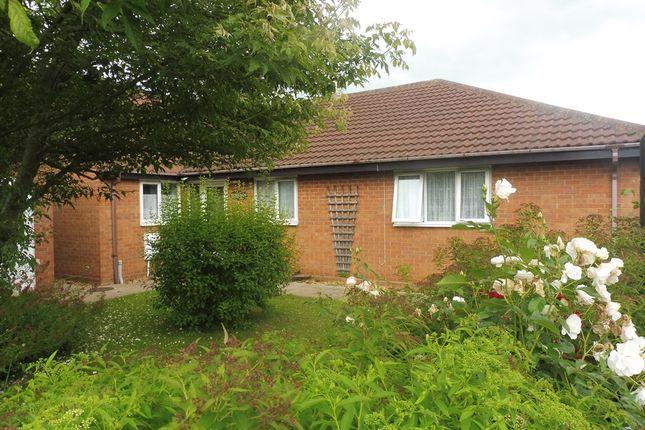 3 bed detached bungalow for sale in Stanley Drive, Sutton Bridge, Spalding