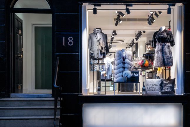 Thumbnail Retail premises to let in Beauchamp Place, London
