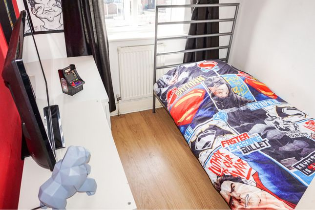 Bedroom of Lock Villas, Thelwall Lane, Latchford, Warrington WA4