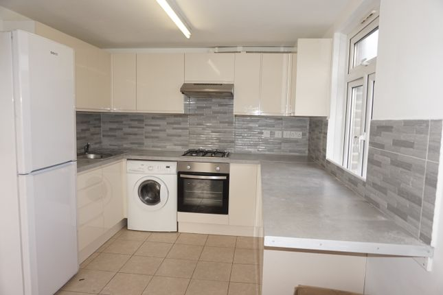 Thumbnail Duplex to rent in Willowbrook Road, Peckham