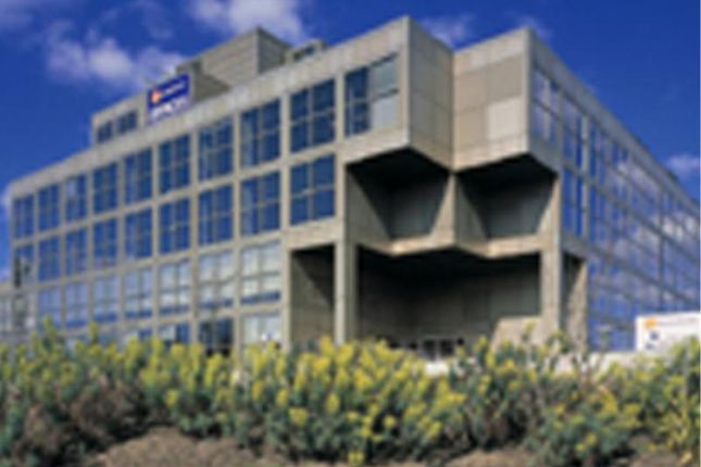 Thumbnail Office to let in The Ring, Thames Valley, Bracknell