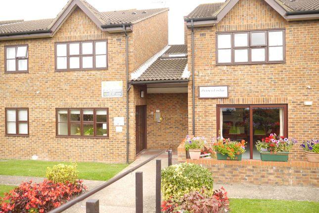 Flat for sale in Glebe Way, West Wickham