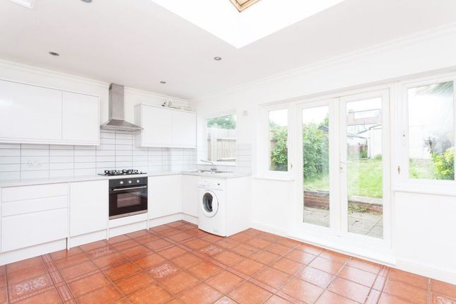 Thumbnail Property to rent in Kingsbridge Road, Morden