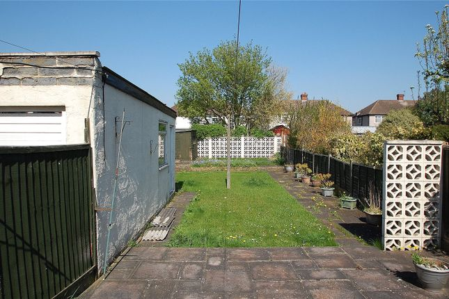 Picture No. 01 of Eyhurst Avenue, Hornchurch RM12