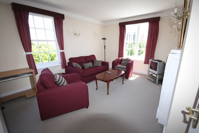 2 bed flat to rent in Ascot Court, Grove End Road, London