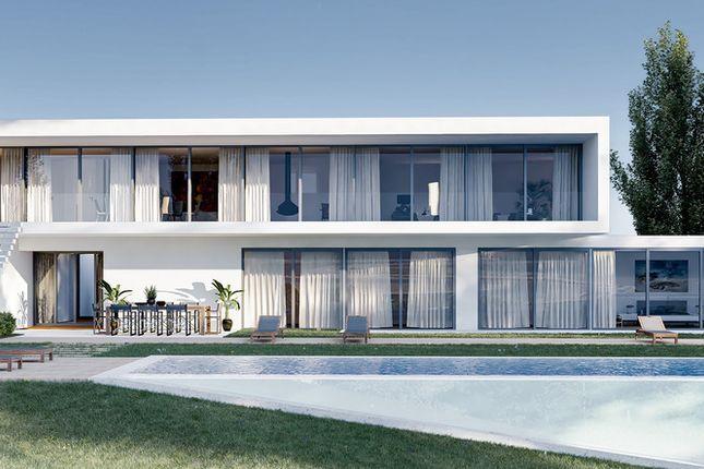 Villa for sale in Meia Praia, Western Algarve, Portugal