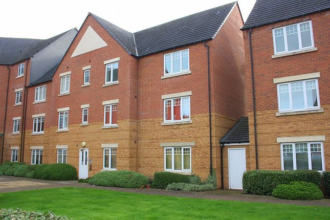 Thumbnail Flat to rent in Hedgerow Close, Greenlands, Redditch