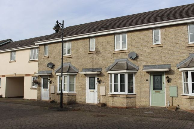 Thumbnail Terraced house to rent in Newbury Avenue, Calne