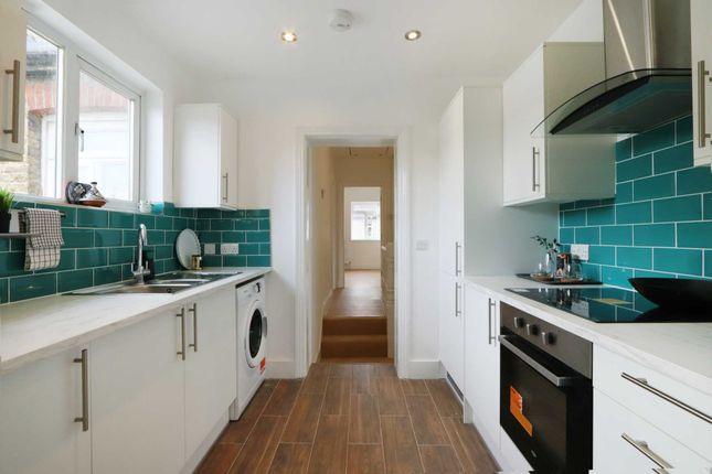 1 bed maisonette for sale in South Lane, New Malden KT3