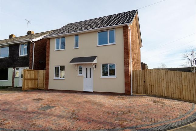 Thumbnail Detached house for sale in Hungerford Road, Calne
