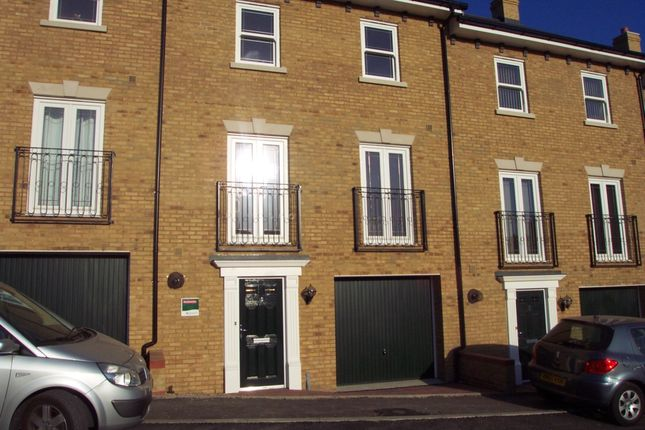 Thumbnail Town house to rent in Engineers Square, Colchester