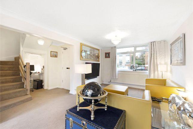 2 bed flat to rent in Trafalgar Drive, Walton-On-Thames, Surrey KT12