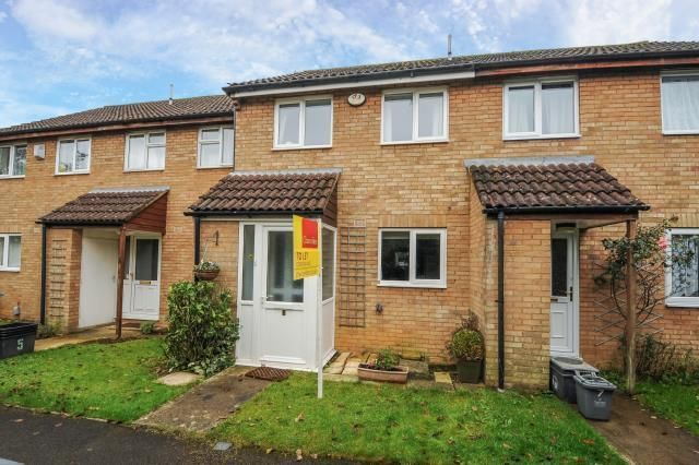 Thumbnail Terraced house to rent in Pinecroft, Carterton