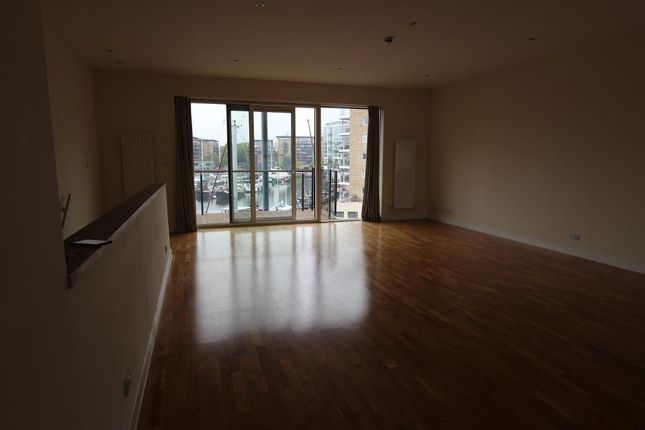 Thumbnail Flat to rent in Basin Approach, London