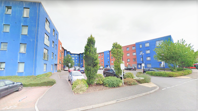 1 bed flat to rent in Damask Court, Cleeve Way, Sutton, Surrey SM1