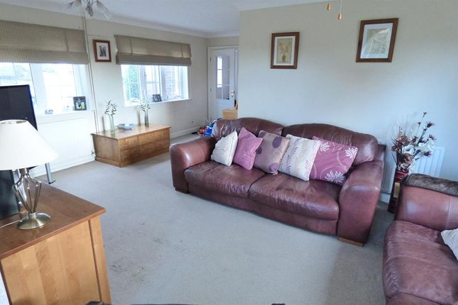 Lounge of Alfred Smith Way, Legbourne, Louth LN11