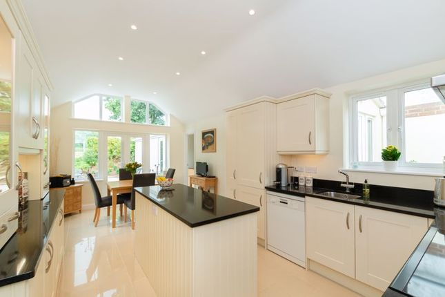 3 bed bungalow for sale in Cothill Road, Dry Sandford, Abingdon OX13