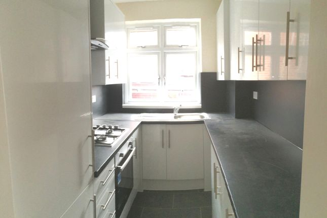 Thumbnail Flat to rent in Greenford Ave, Hanwell