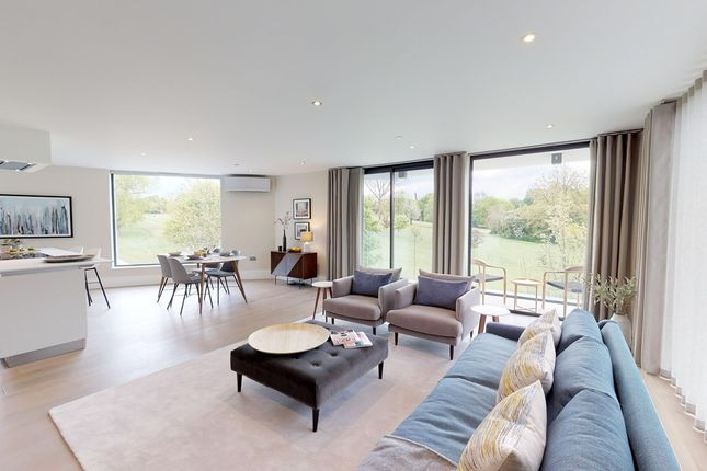Thumbnail Flat for sale in Flat 4, Montgomerie Lodge, Chigwell