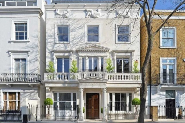 Thumbnail Town house for sale in Pembridge Villas, London