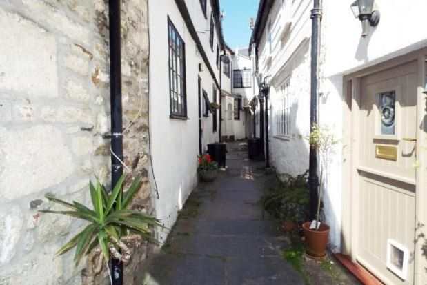 4 bed property to rent in 11 Higher Market Street, Penryn TR10