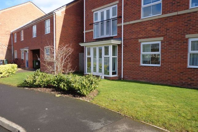 Thumbnail Flat to rent in Gloucester Close, Redditch