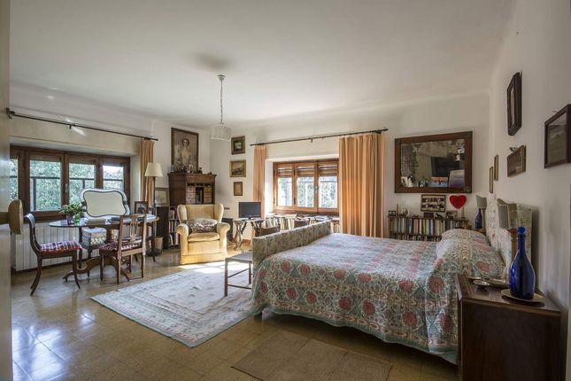 9 bed town house for sale in Viale Ammiraglio Morin, 55042 Forte Dei Marmi Lu, Italy