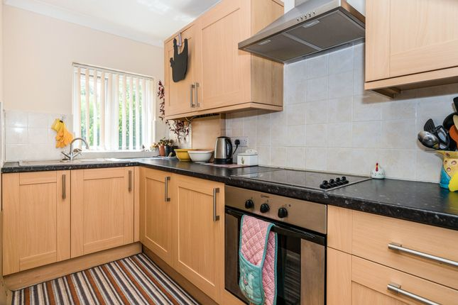 Thumbnail Maisonette to rent in The Green, Rowlands Castle