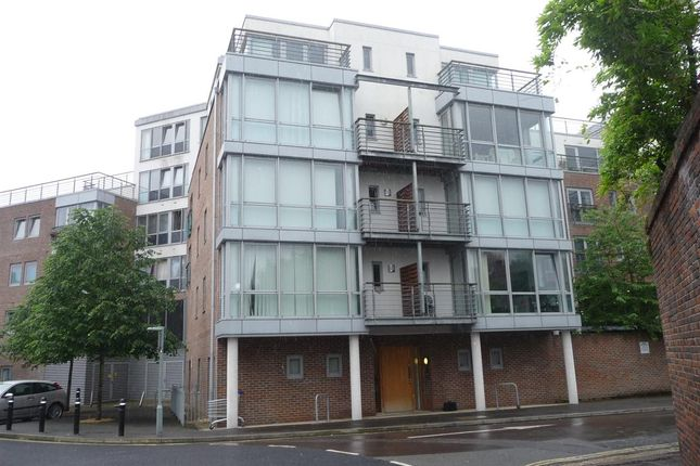 Thumbnail Flat to rent in Godolphin House, Bonfire Corner, Portsmouth