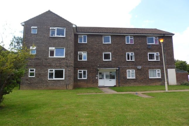 1 bed flat to rent in Crombie Close, Cowplain, Waterlooville
