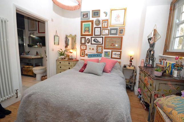 Bedroom of South Grange, Exeter, Devon EX2