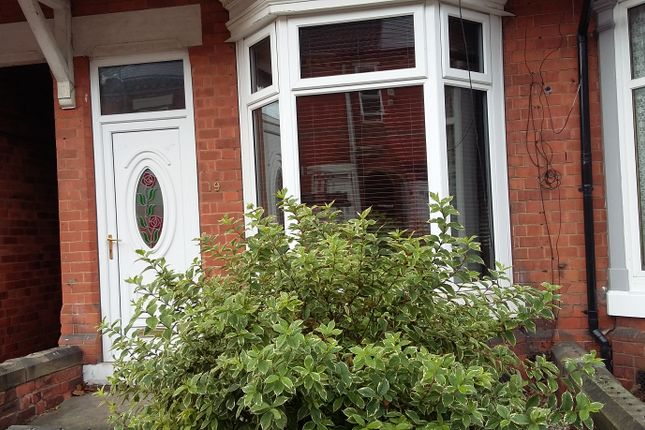 Thumbnail Terraced house to rent in Cemetery Road, Worksop