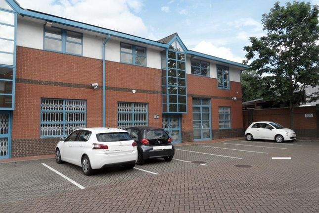 Thumbnail Office to let in Unit 5, Osprey House, Trinity Way, Chingford, London