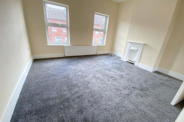 2 bed terraced house to rent in Butlin Road, Luton LU1