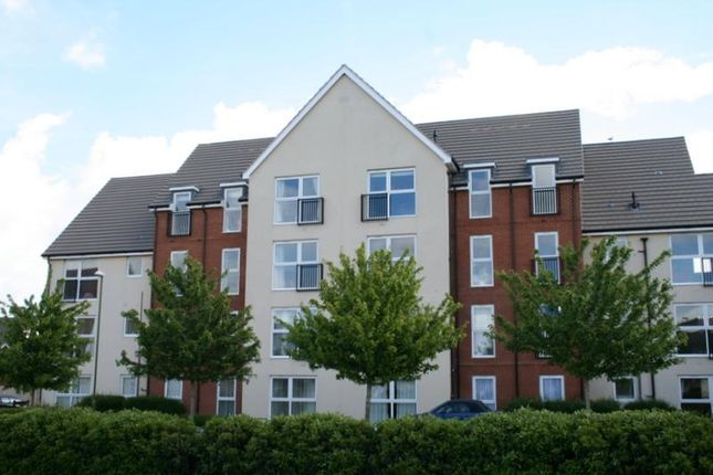 Thumbnail Flat to rent in Stammer Road, Littlehampton, West Sussex