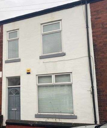 2 bed terraced house to rent in Russell Street, Prestwich, Manchester M25