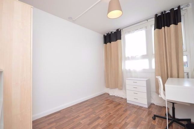 Thumbnail Flat to rent in Chesterton Terrace, Kingston Upon Thames