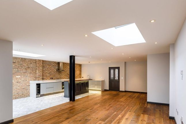Thumbnail Town house for sale in Key Hill Drive, Hockley, Birmingham