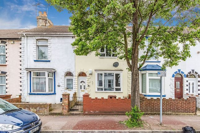 Thumbnail Terraced house to rent in Kingswood Road, Gillingham