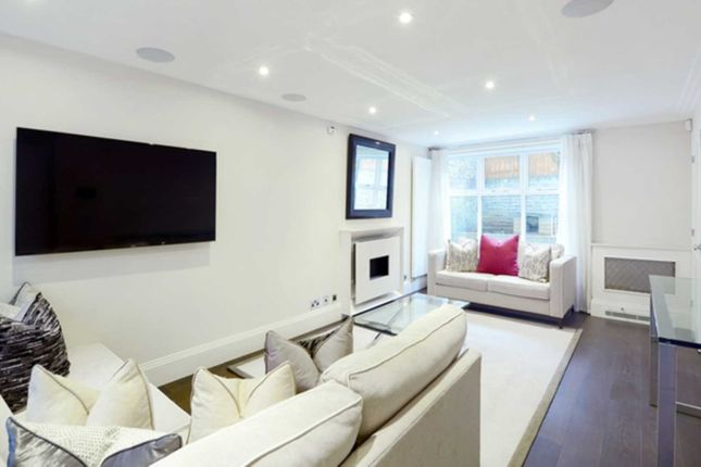 Thumbnail Town house to rent in Peony Court Town Houses, Park Walk, Chelsea