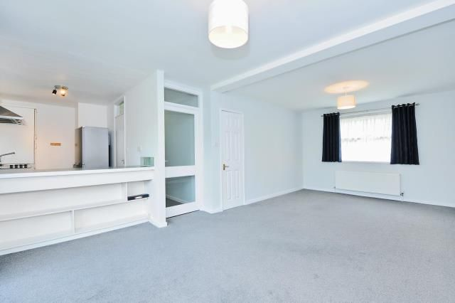 Thumbnail Flat to rent in Ancastle Green, Henley-On-Thames