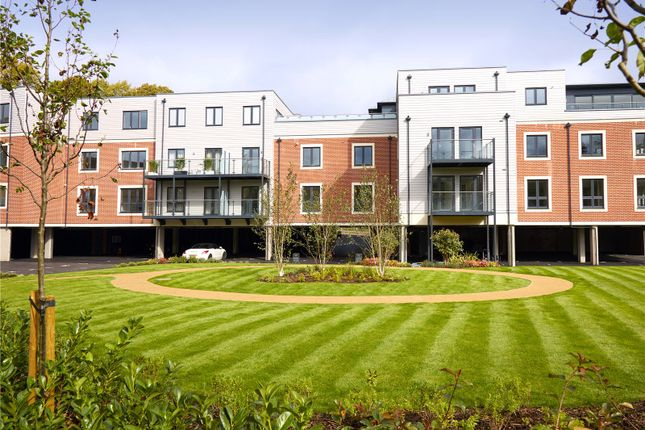 Thumbnail Flat for sale in Vicinia, Deanfield Avenue, Henley-On-Thames, Oxfordshire
