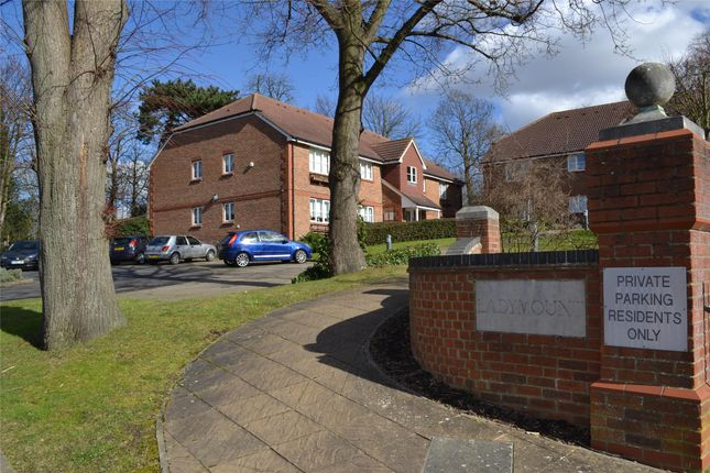 Thumbnail Flat for sale in Ladymount, Evelyn Way, Wallington