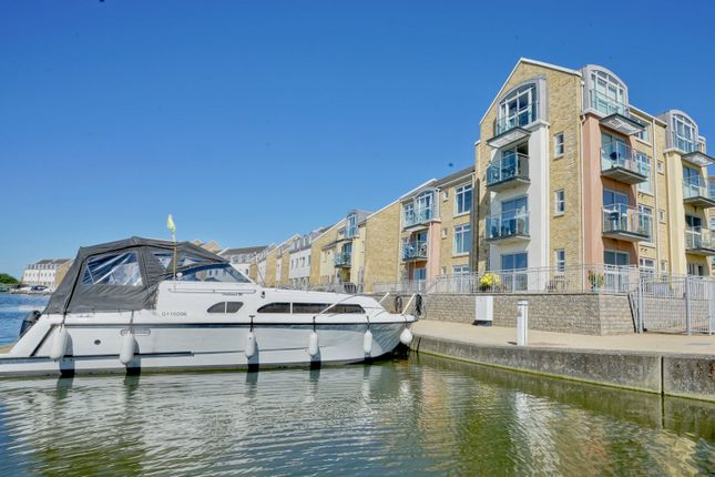 Thumbnail Flat for sale in Flawn Way, Eynesbury, St Neots