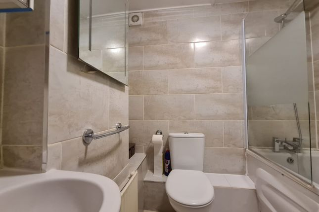 1 bed flat to rent in Queens Road, London SE15