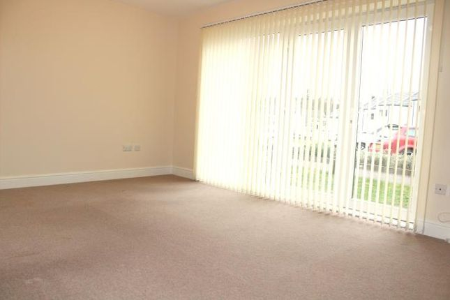 Thumbnail Flat to rent in Bluebell Walk, Cumbernauld, Glasgow