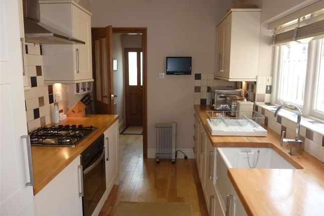 Thumbnail Terraced house to rent in College Road, Harrogate, North Yorkshire